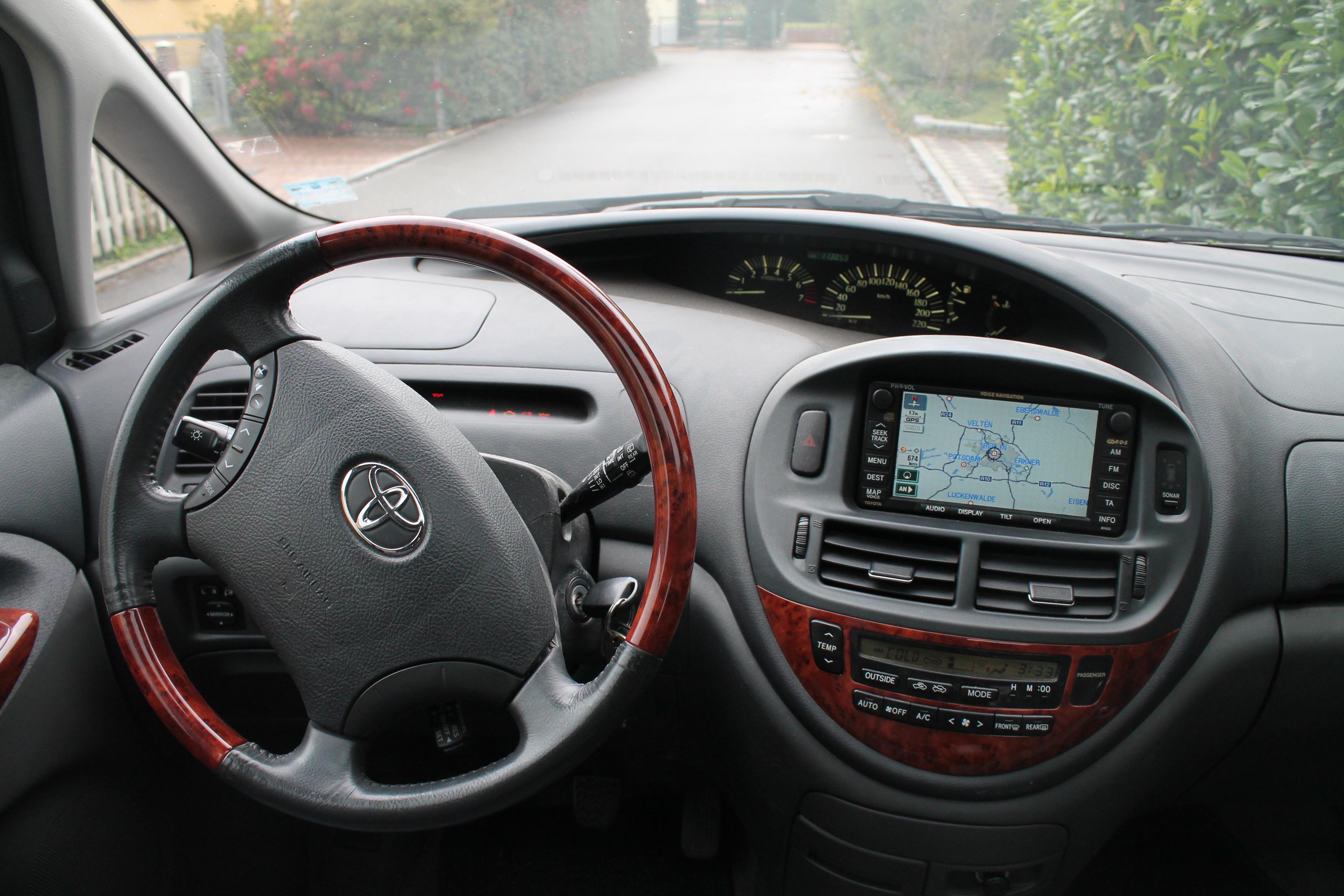 Datei:Toyota Previa 2nd generation Cockpit 2. – Wikipedia