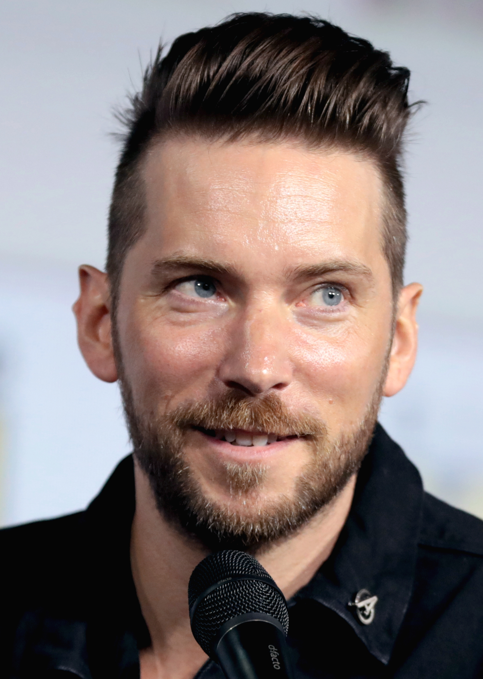 Troy Baker - Wikipedia