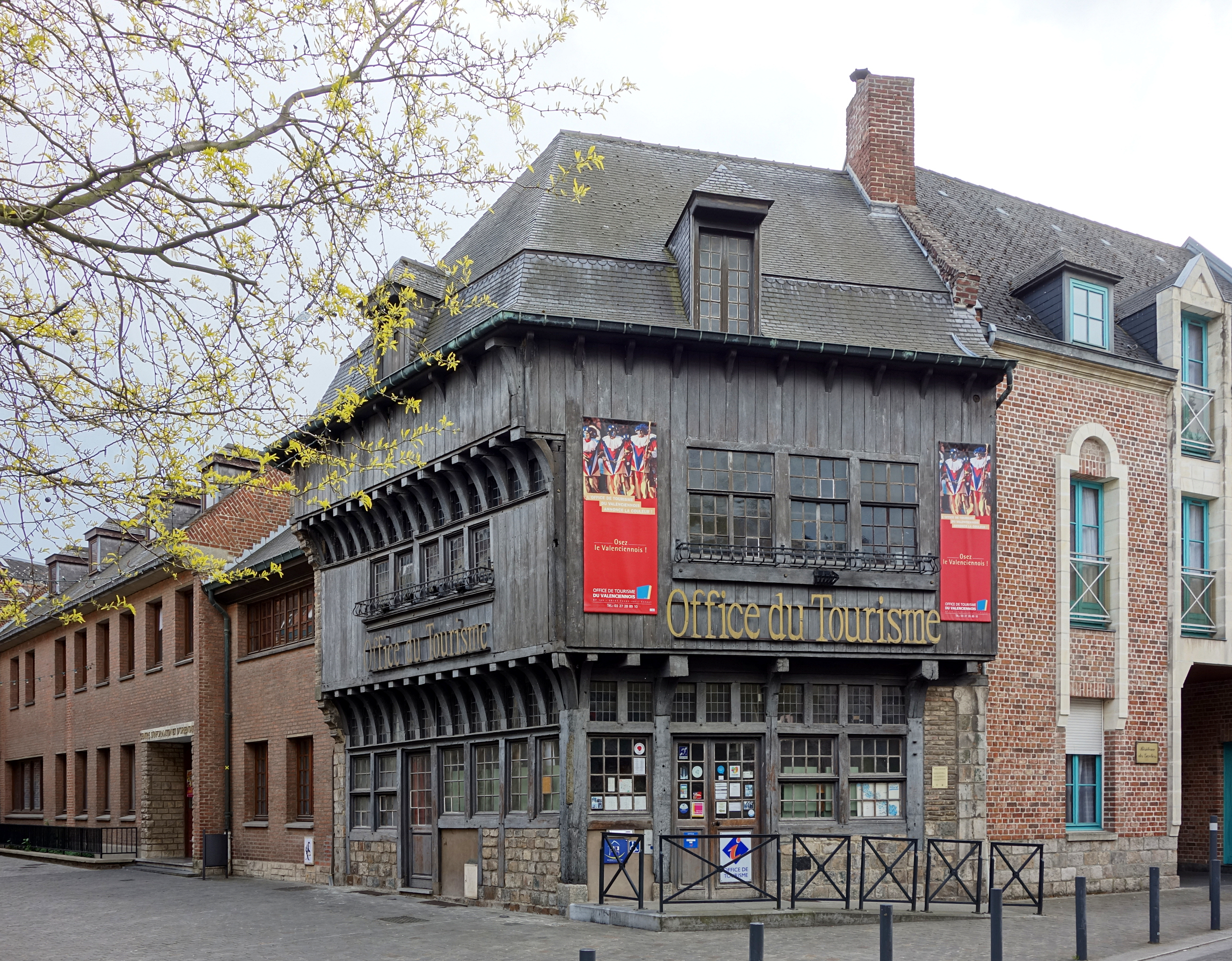 File valenciennes office wikimedia commons - Office tourisme valenciennes ...