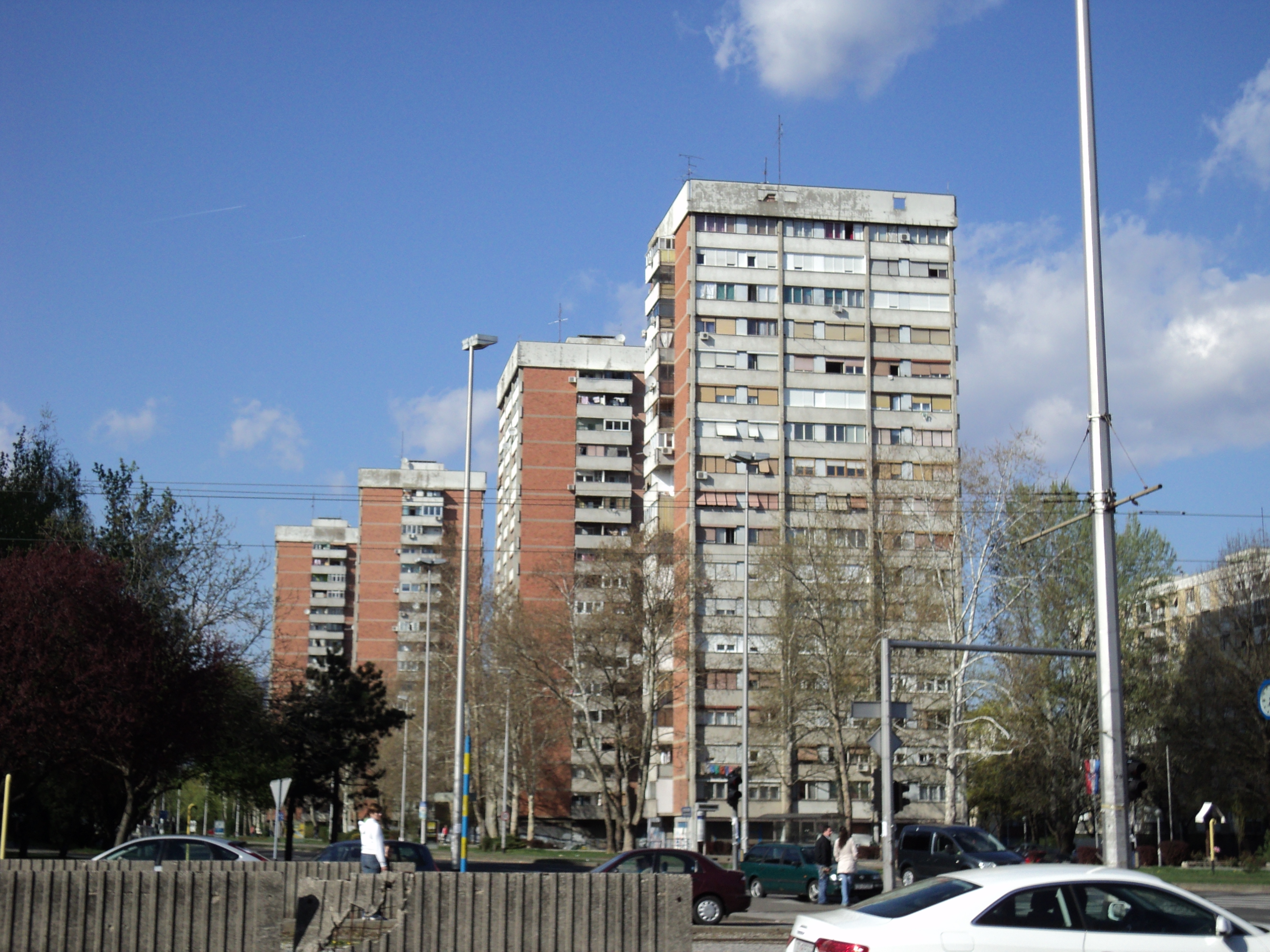 Datoteka:Zgrade na Knežiji-Zagreb.JPG - Wikipedija
