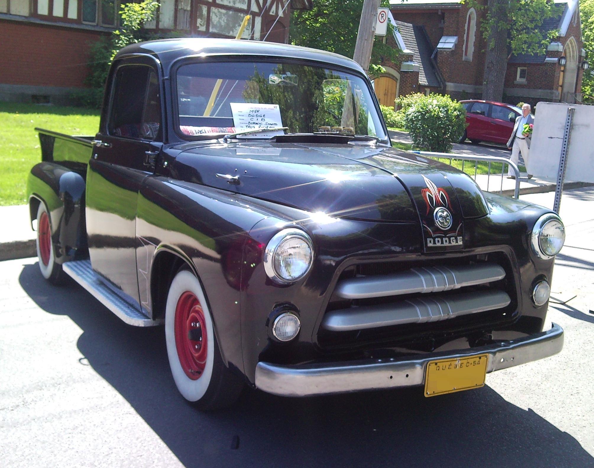 File:'54 Dodge C-Series (Auto clique VAQ St-Lambert '12).jpg ...
