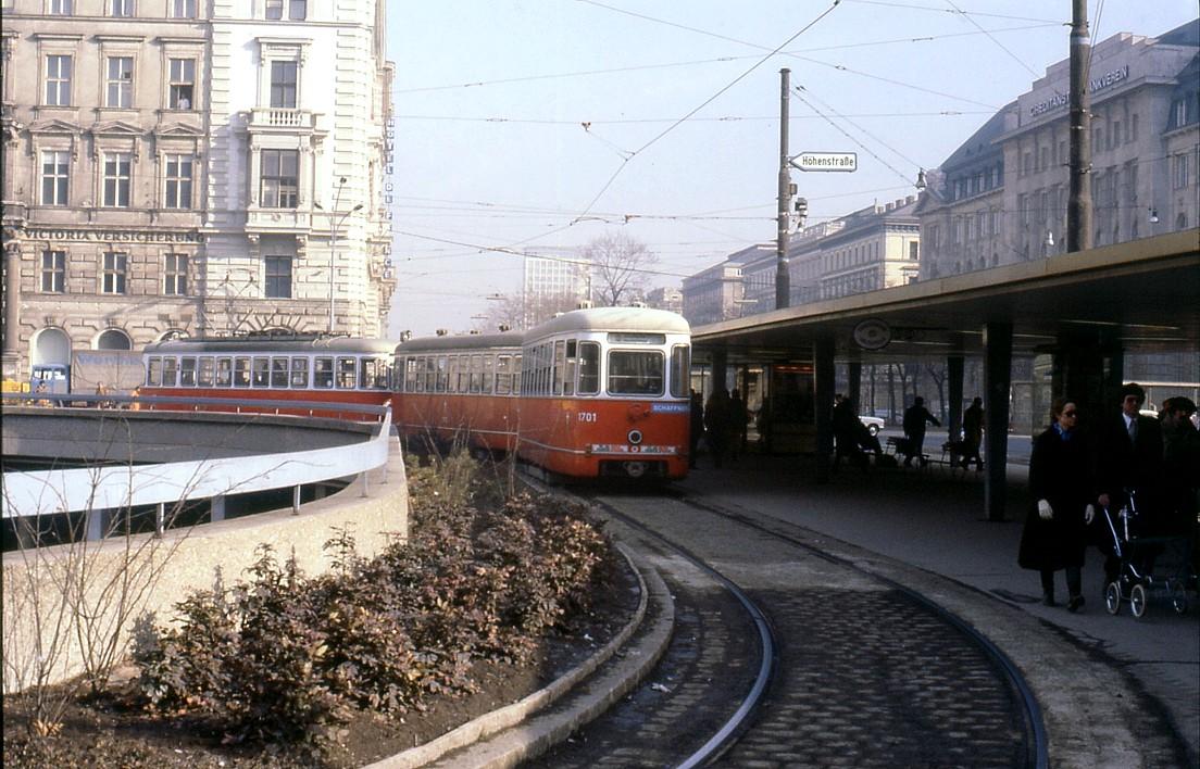 File078l19020281 Endstellstelle Schottentor Strassenbahn Linie 43