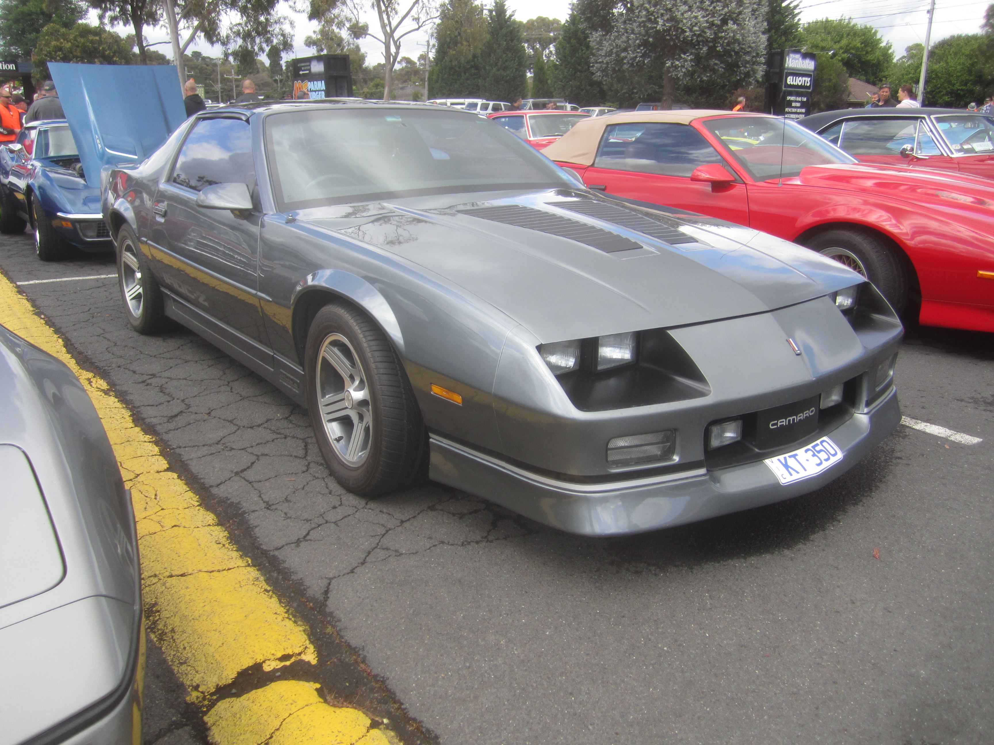 Iroc Z Wiki >> File:1988 Chevrolet Camaro IROC-Z.jpg - Wikimedia Commons