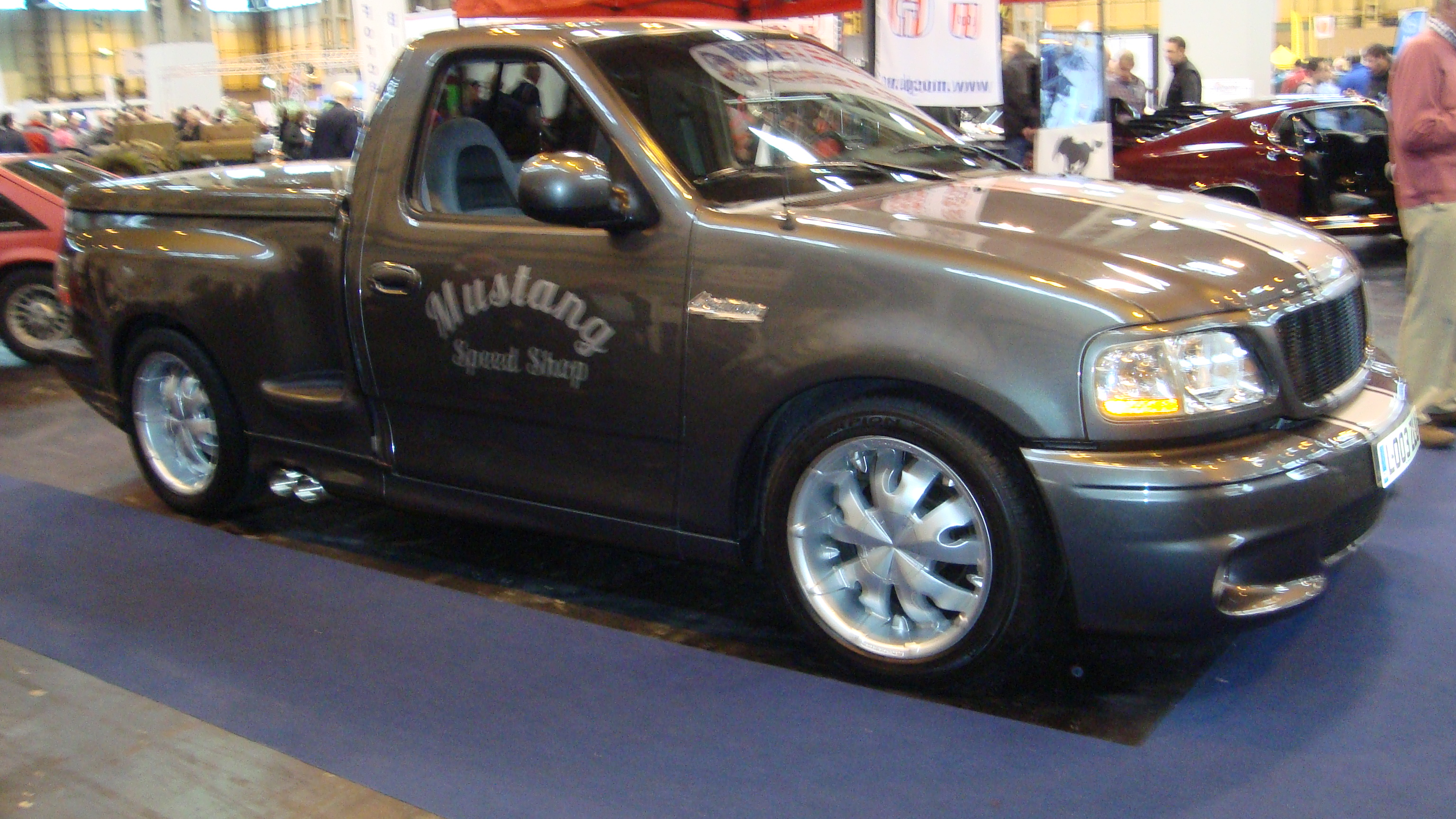 File:2003 Ford F150 Lightning (16868937720).jpg