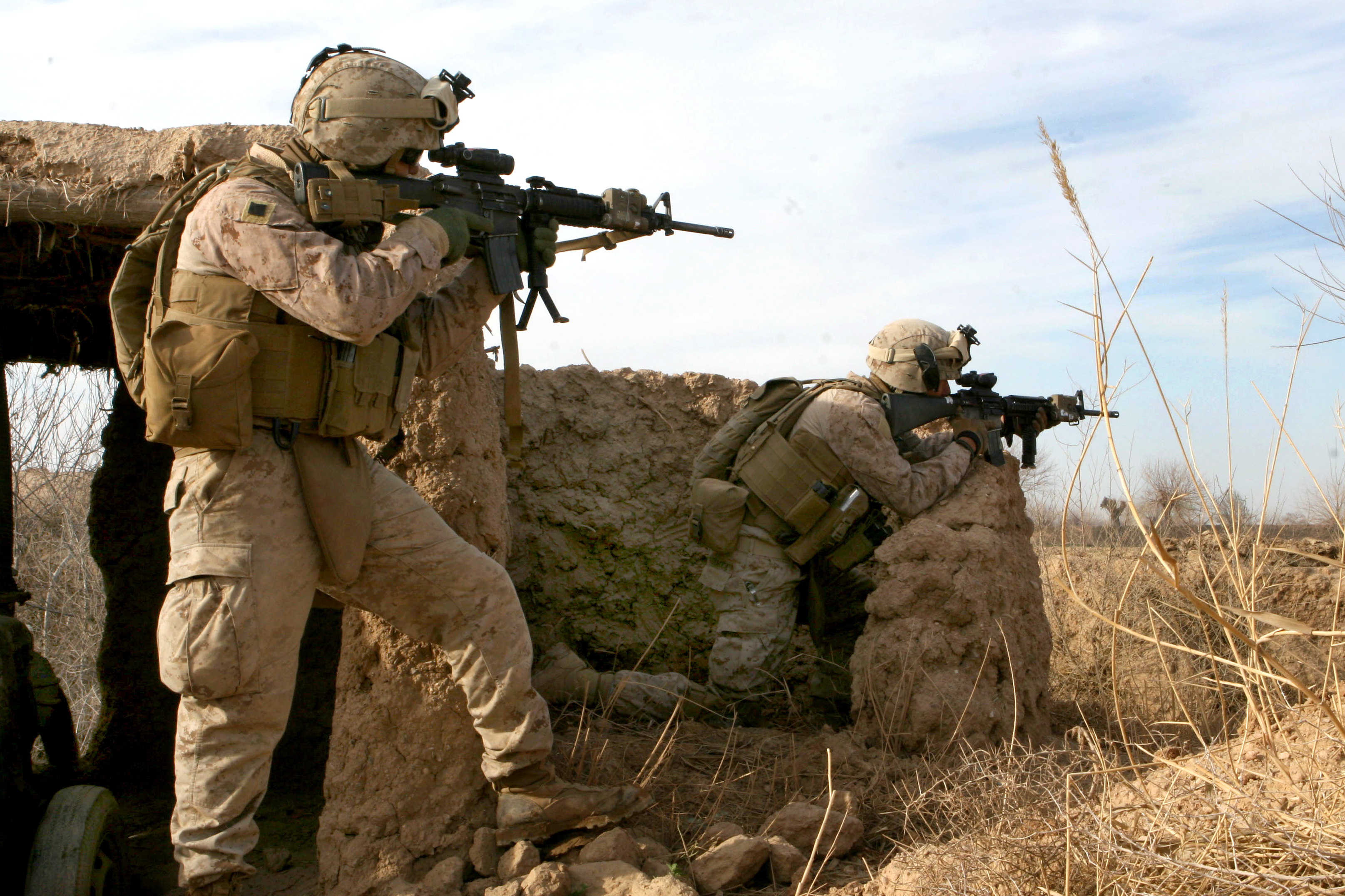 File:6th Marine Rgt. in action in Marja 2010-02-13.jpg ...