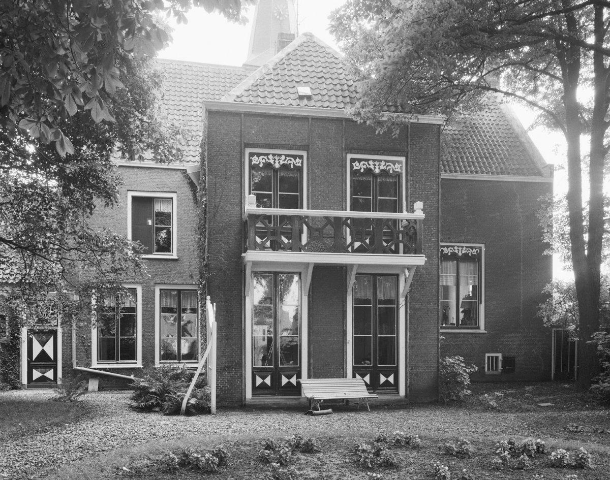 Pand onder zadeldak met een rechthoekige uitbouw aan de achterzijde waar het huis voorzien is - Amenager een voorgerecht van het huis ...