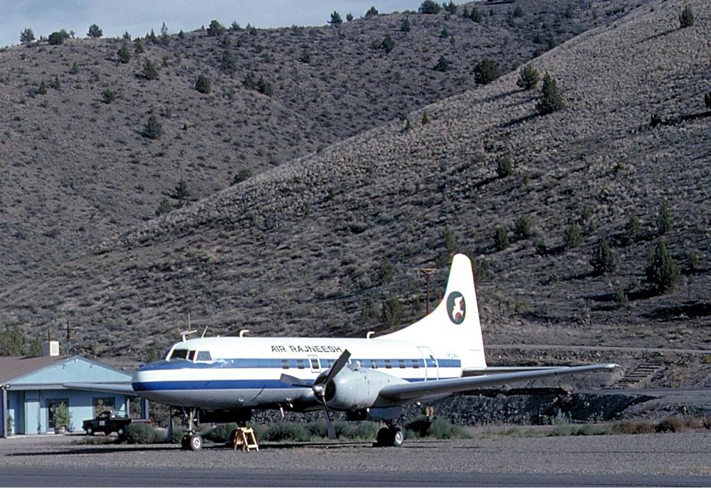 File Air Rajneesh Convair 240 Quackenbush Jpg Wikimedia