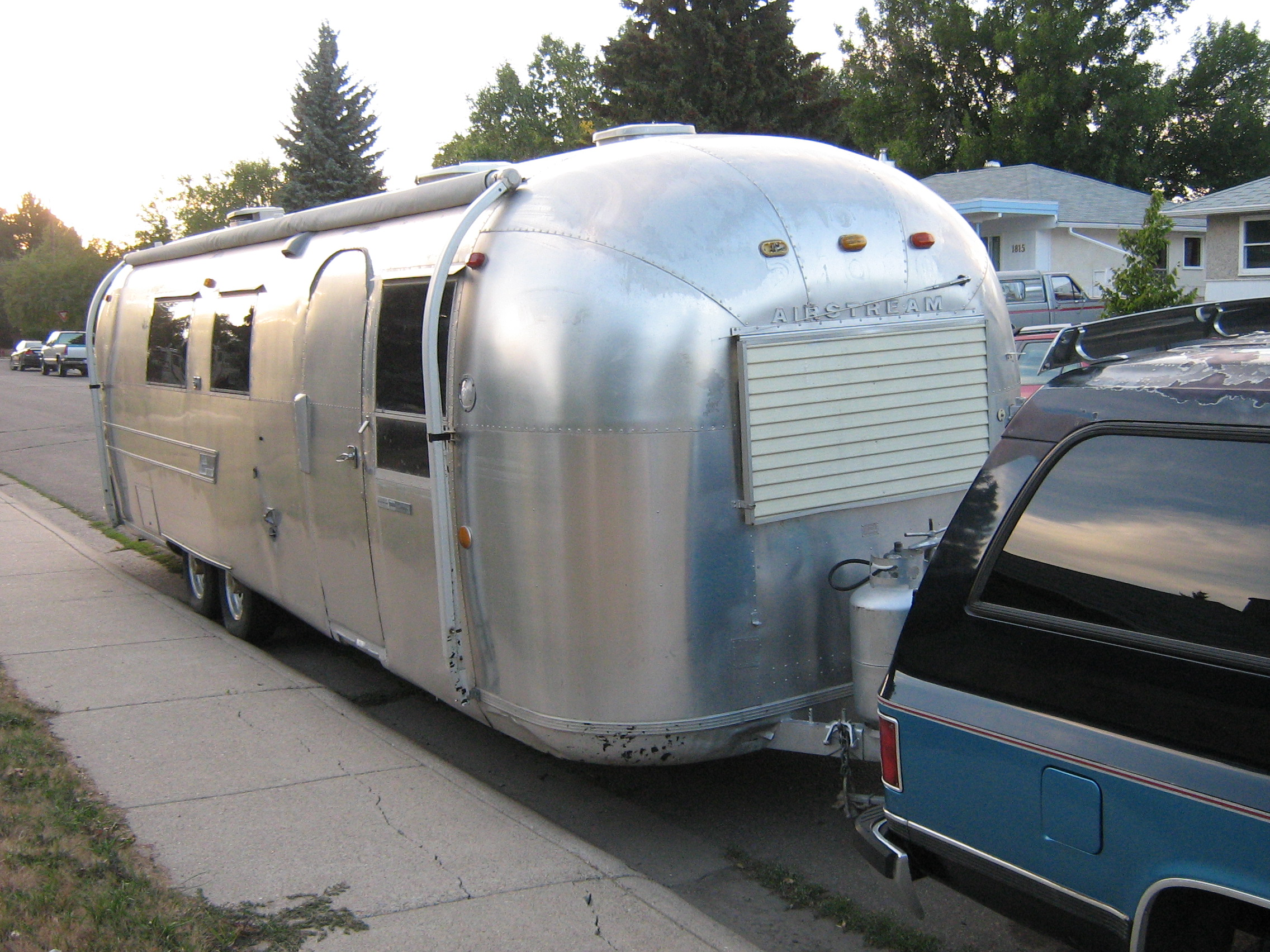 Airstream Trailer (1333647988).jpg
