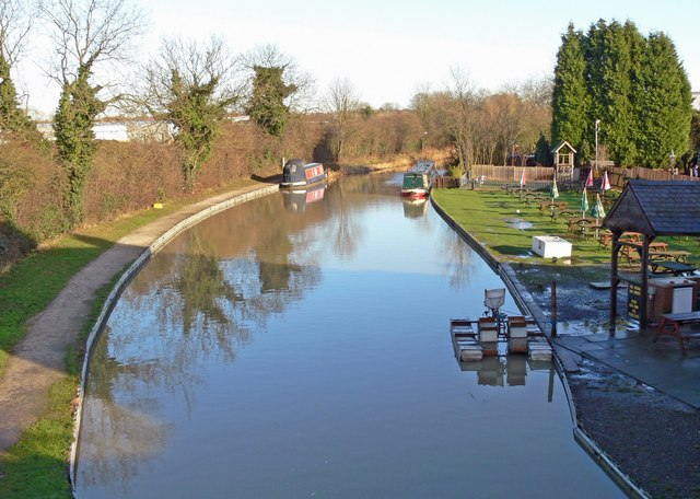 Ashby Canal from Limekiln Bridge - geograph.org.uk - 659630