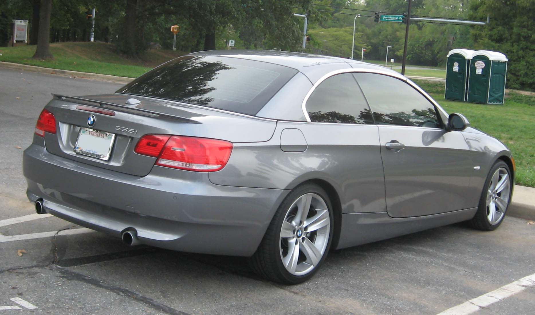 File BMW 335i convertible rear Wikimedia mons