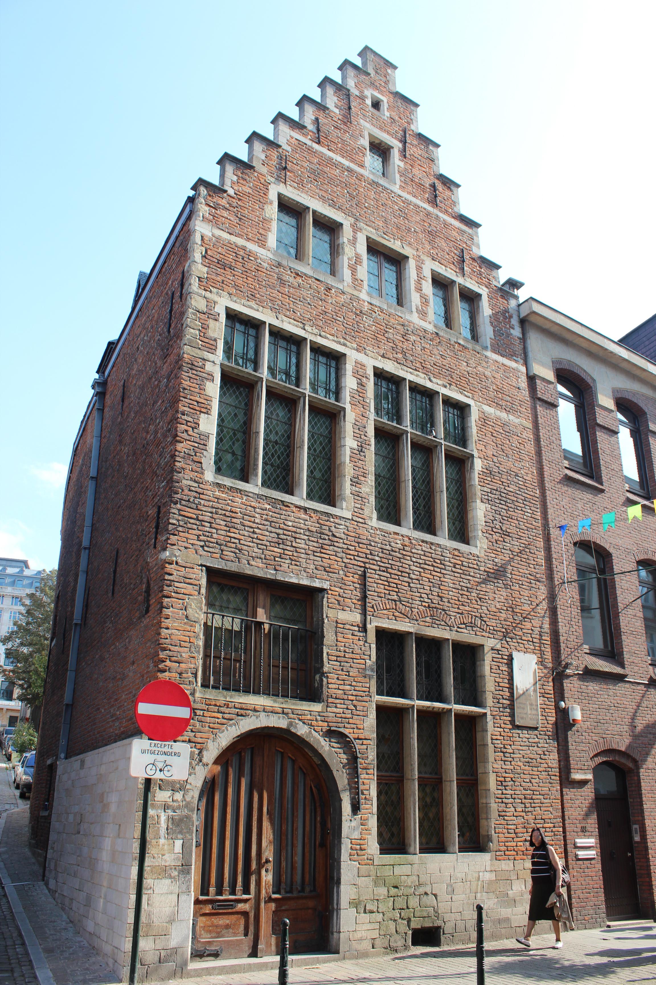 File breughel house rue haute 132 hoogstraat brussels 2011 for House of haute