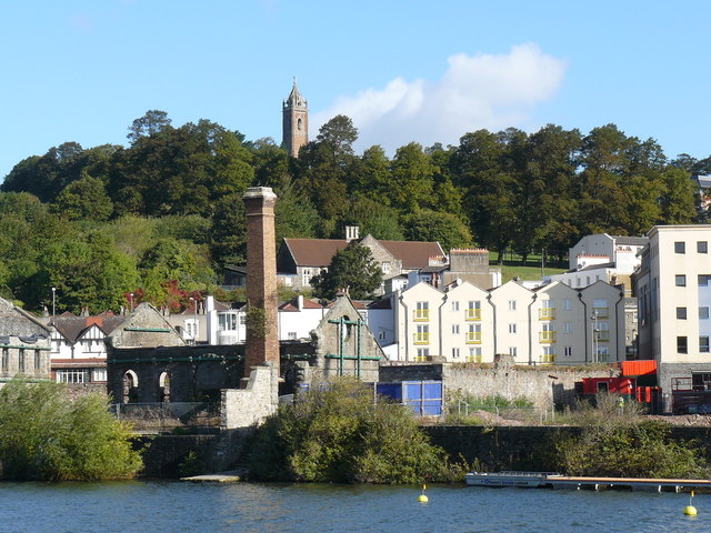 Cabot Tower with Old Gas works in foreground - geograph.org.uk - 1018788