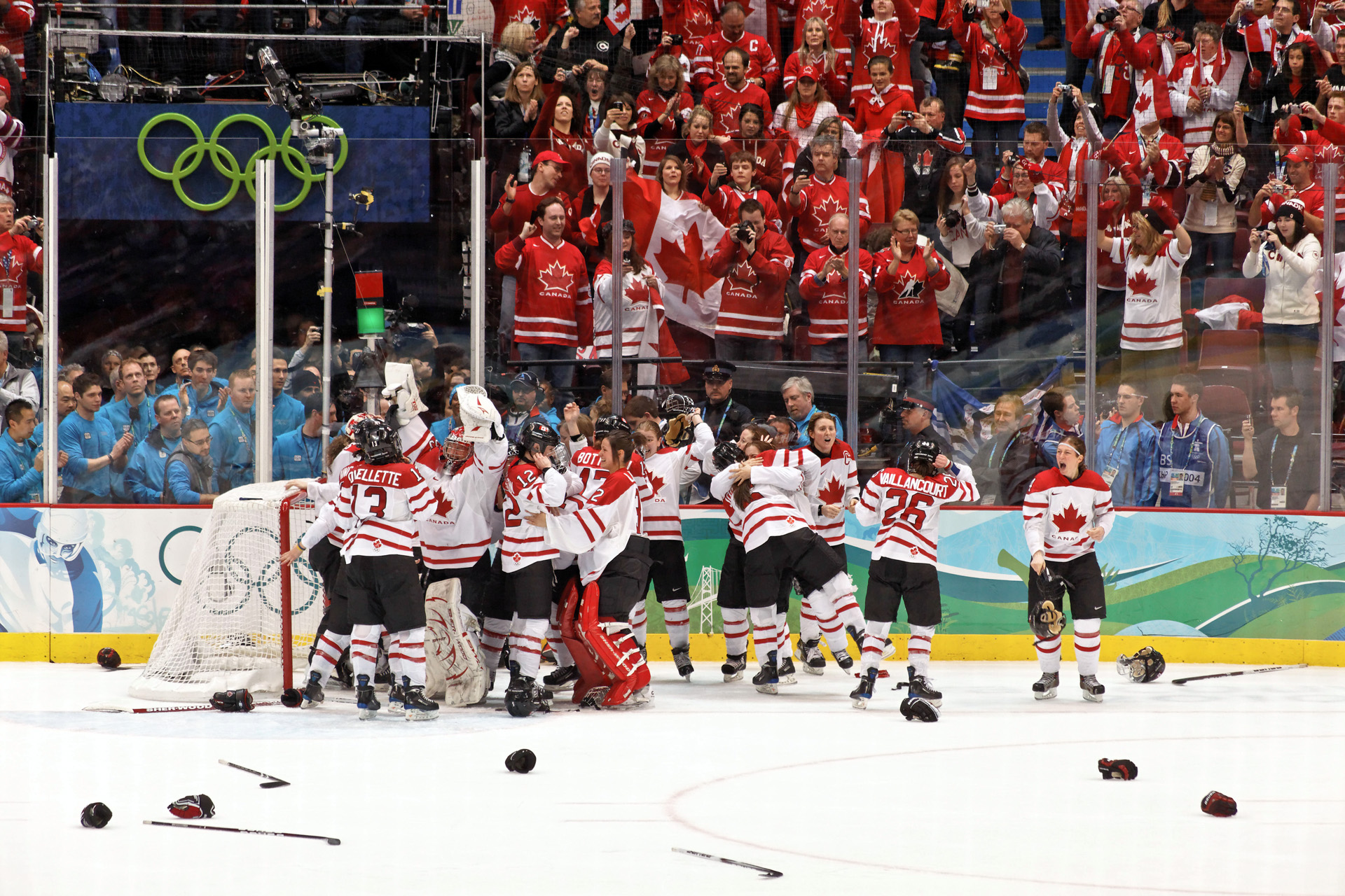 18080f64c1d List of Olympic women s ice hockey players for Canada - Wikipedia
