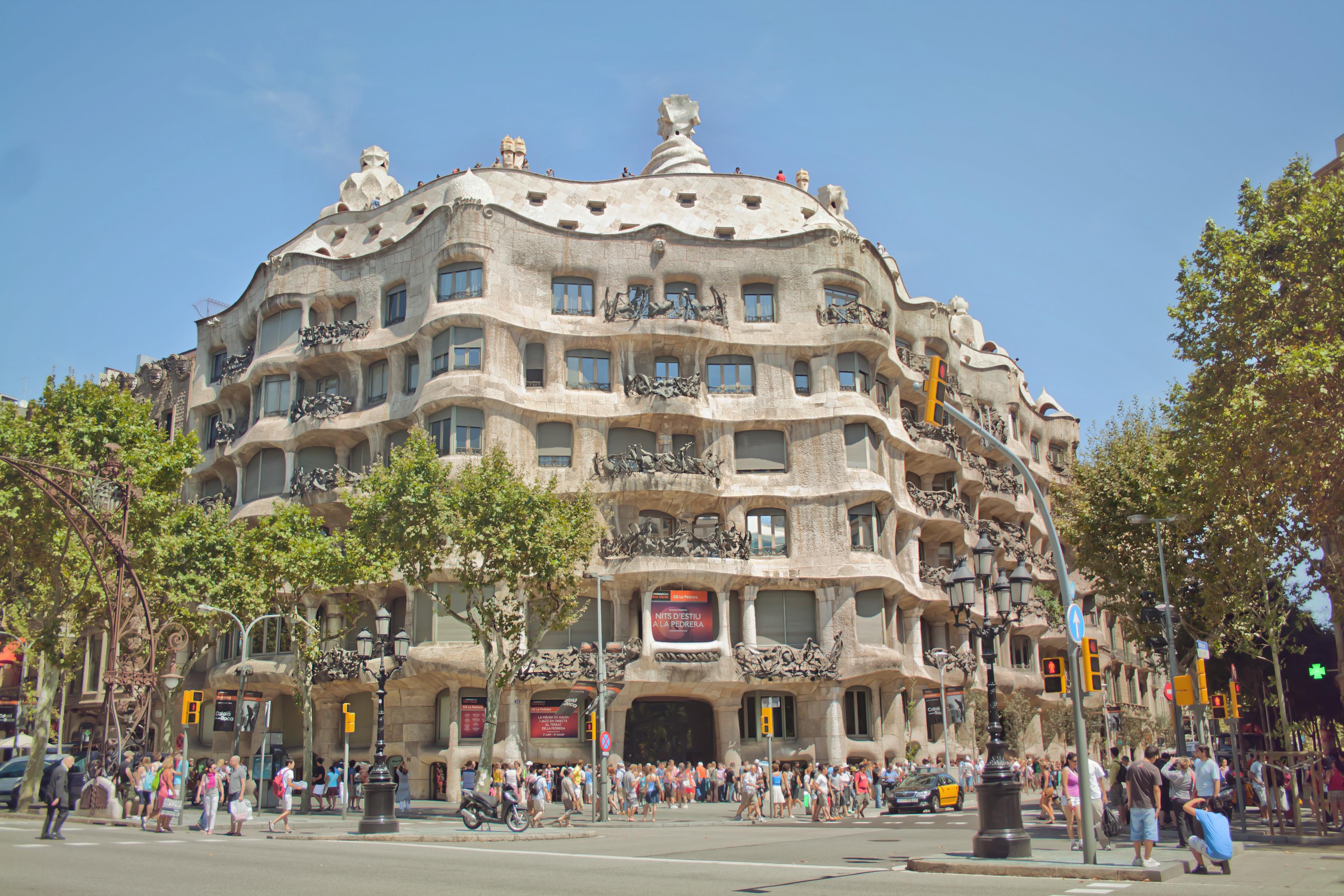 File casa mil la pedrera 8171709178 jpg wikimedia commons - Casa mila la pedrera ...
