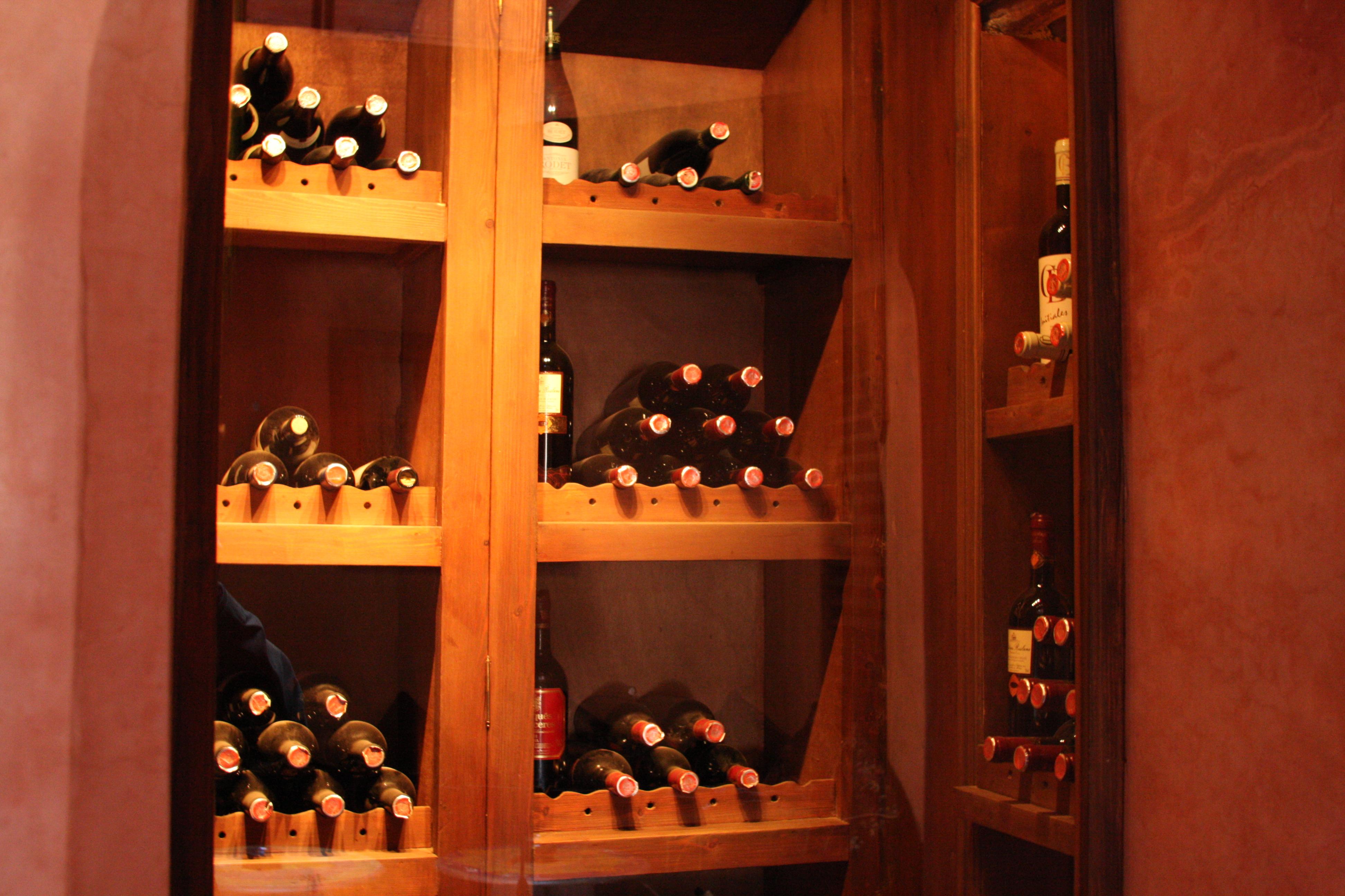 Cave A Vin Design file:cave à vin dans un restaurant de marrakech