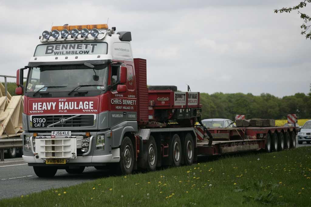 File:Chris Bennett Heavy Haulage 2006 Volvo FH16 truck ...