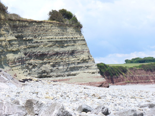Cliffs at Lavernock Point - geograph.org.uk - 836056