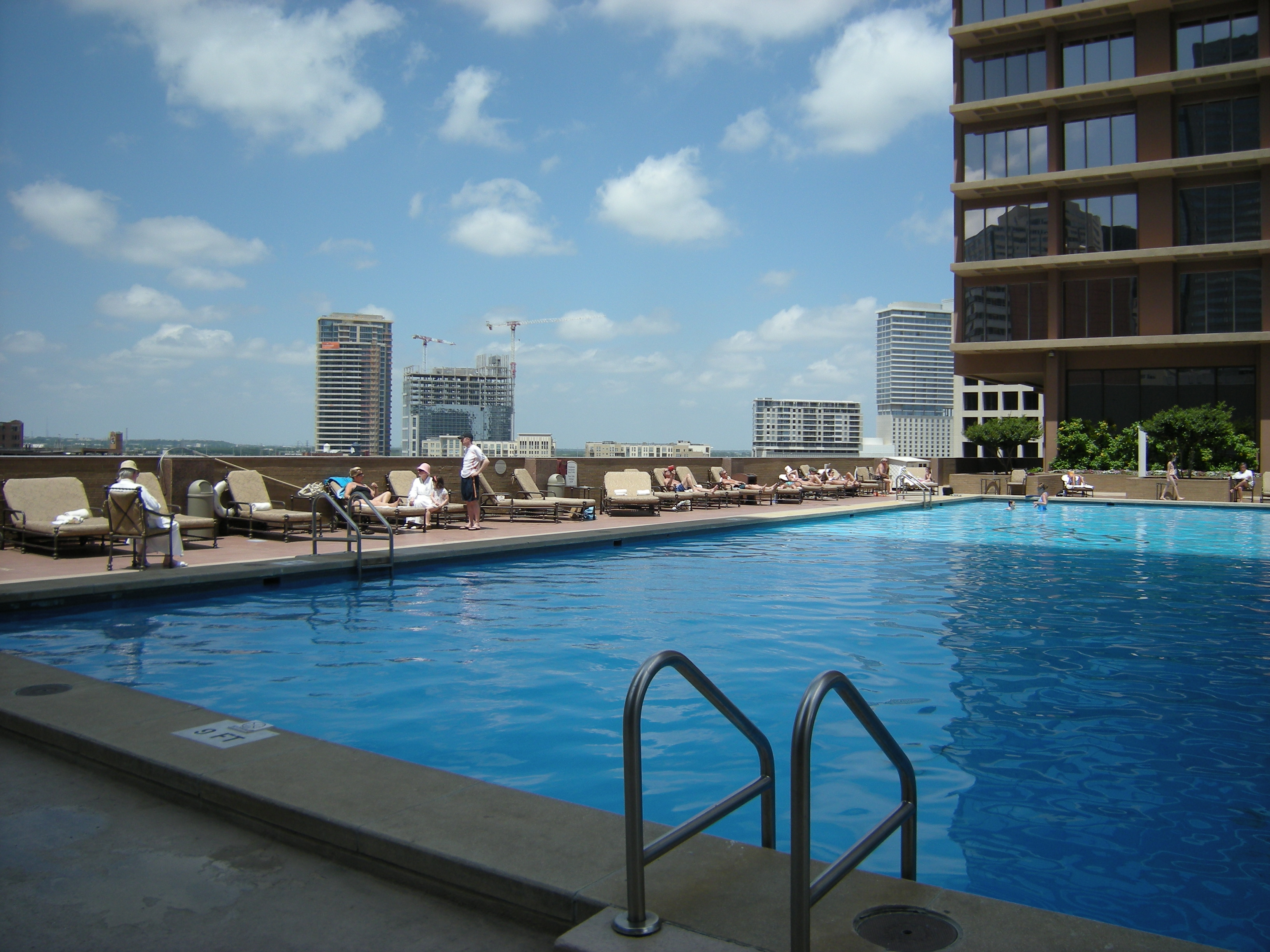 File dallas fairmont hotel pool for Hotels in dallas with indoor pools