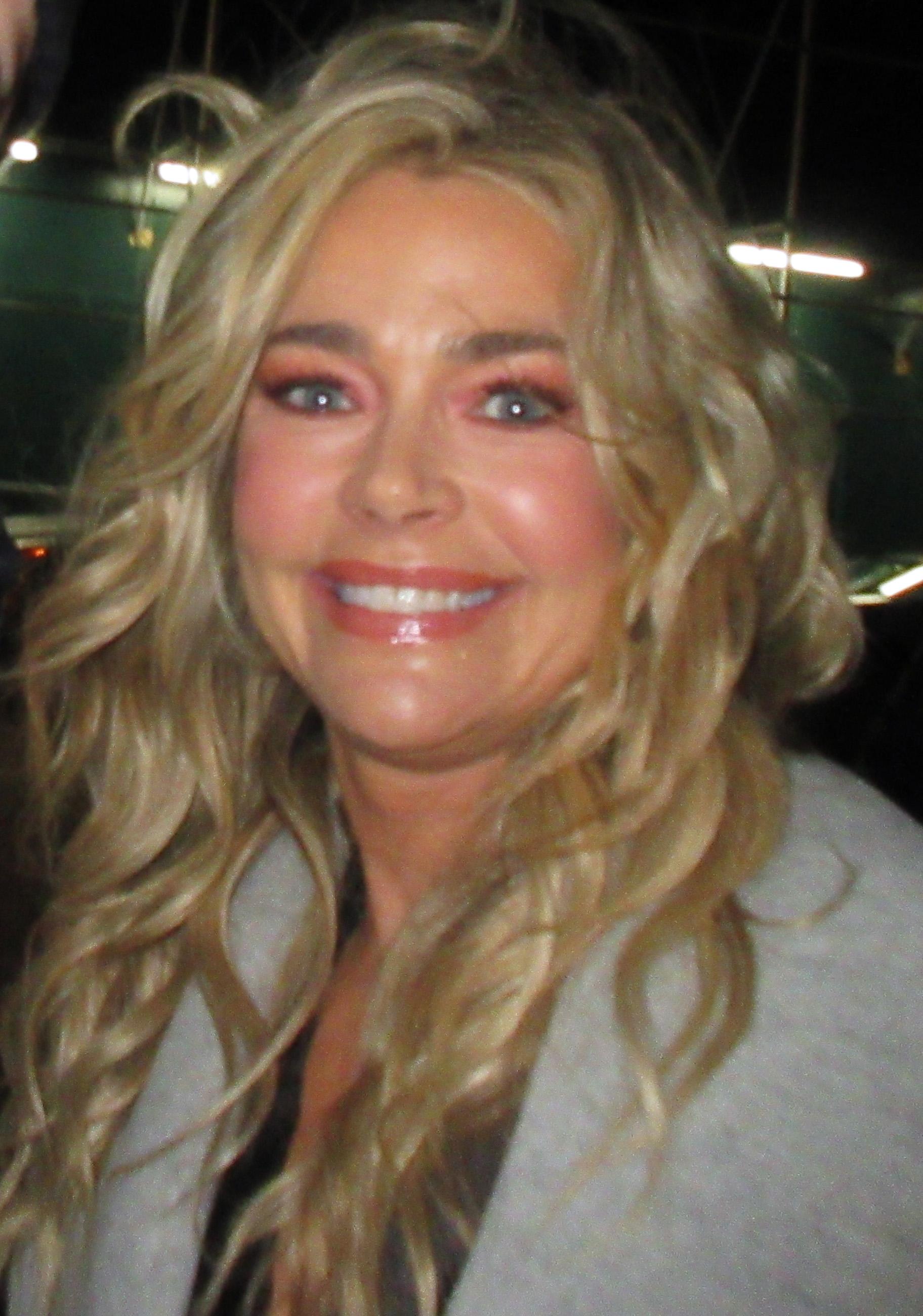 Denise Richards - Wikipedia