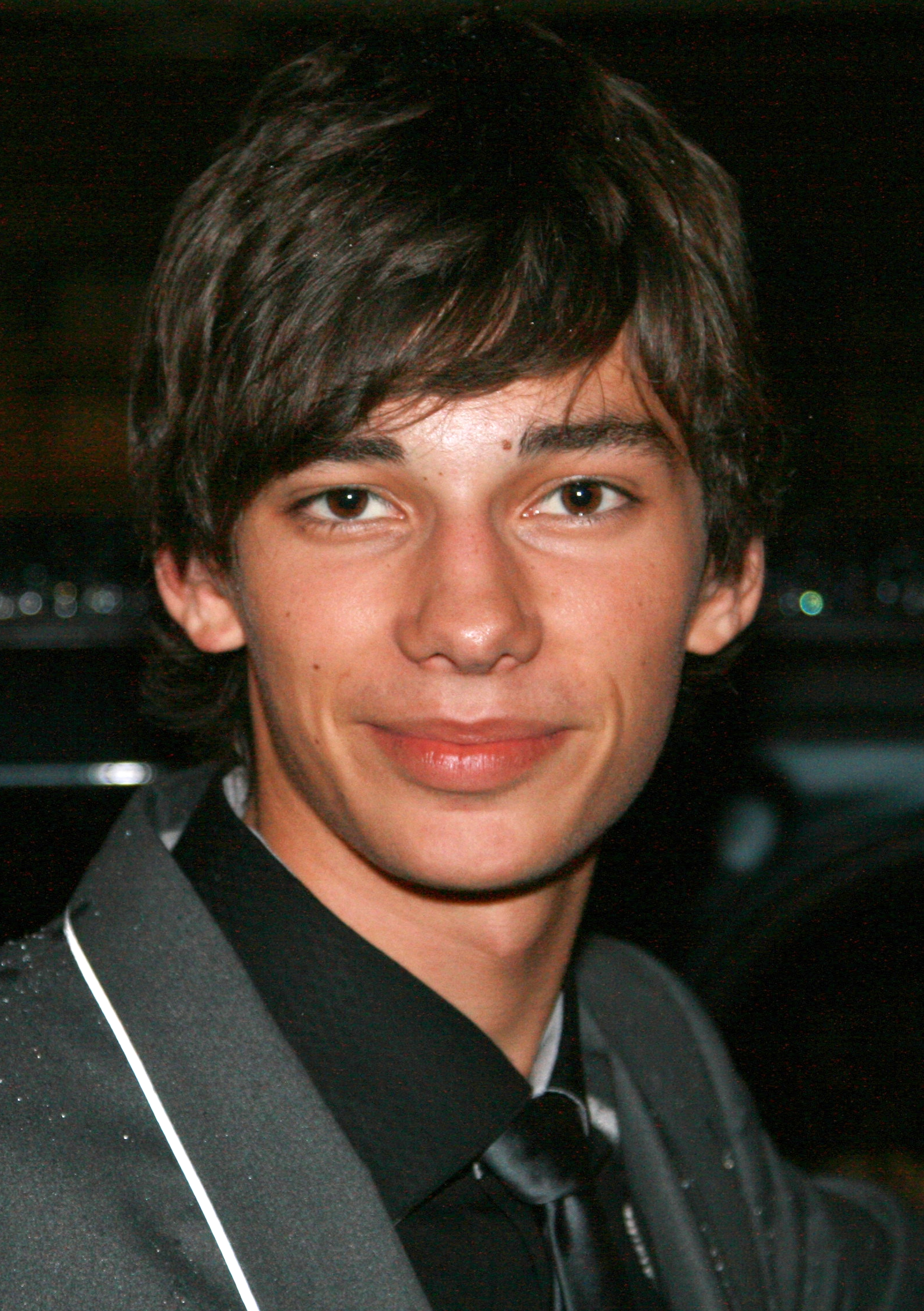 Tips: Devon Bostick, 2017s chignon hair style of the cool attractive  actor