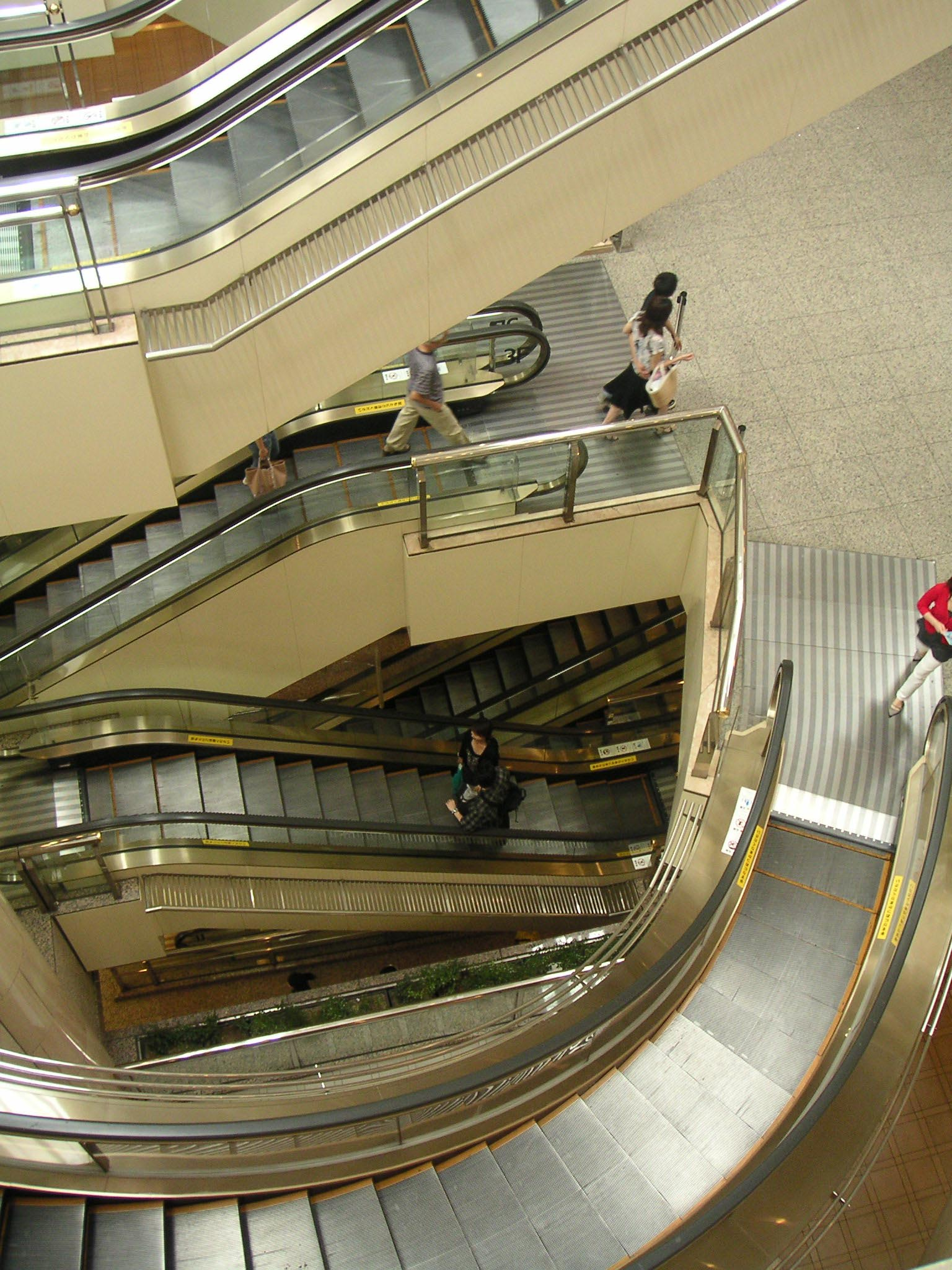 Escalator Wikipedia Couk O View Topic Led Stair Lights Require Wiring In Series Shortest Examplesedit
