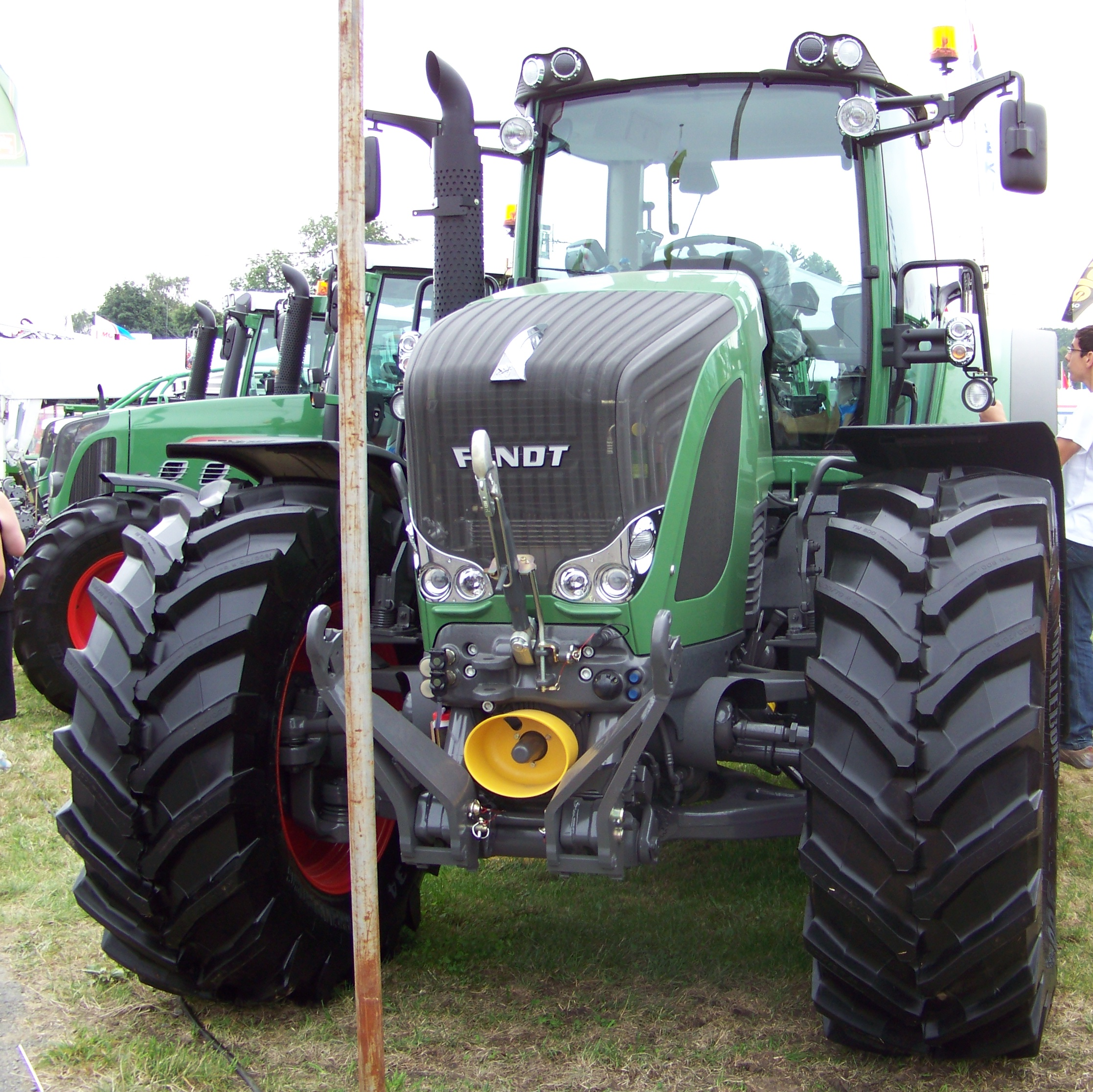 Two Point Tractor : File fendt tractor front three point linkage g