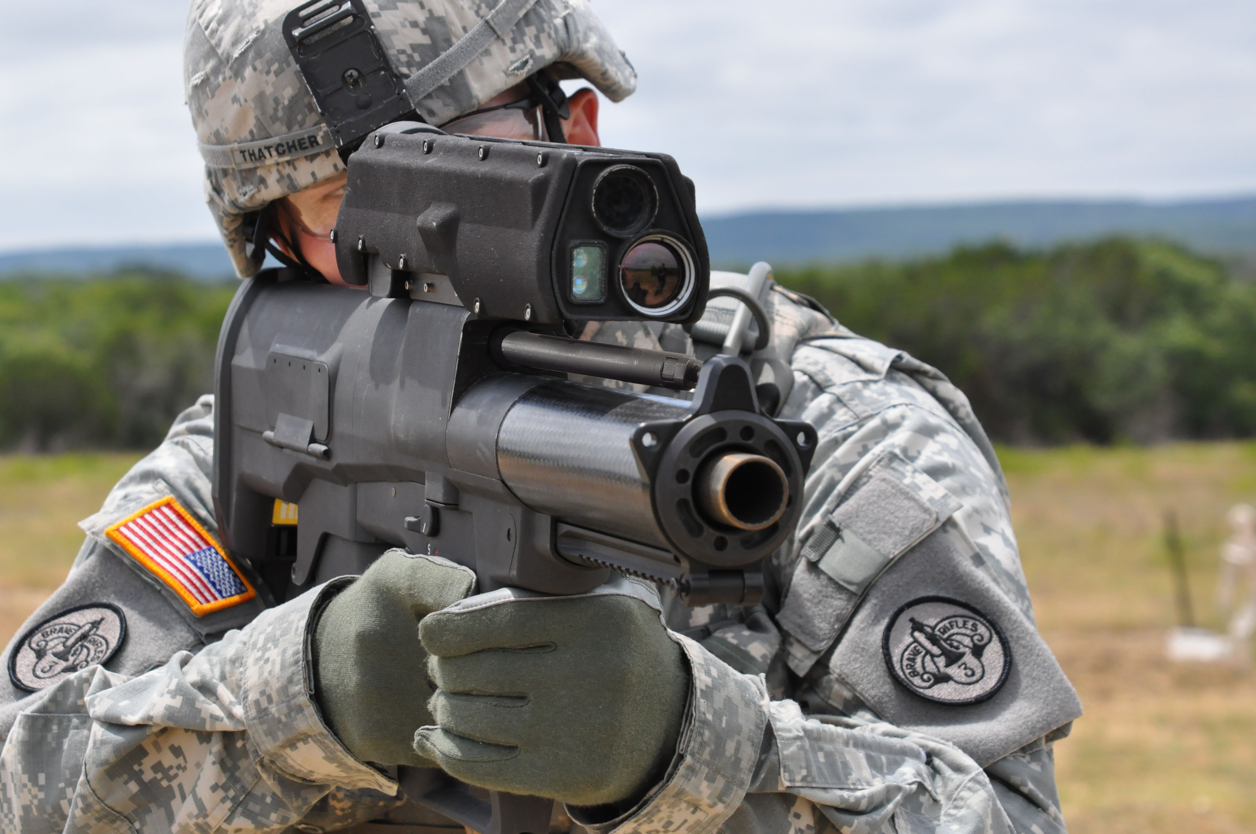 File:flickr - the u.s. army - testing the new xm-25 weapon system