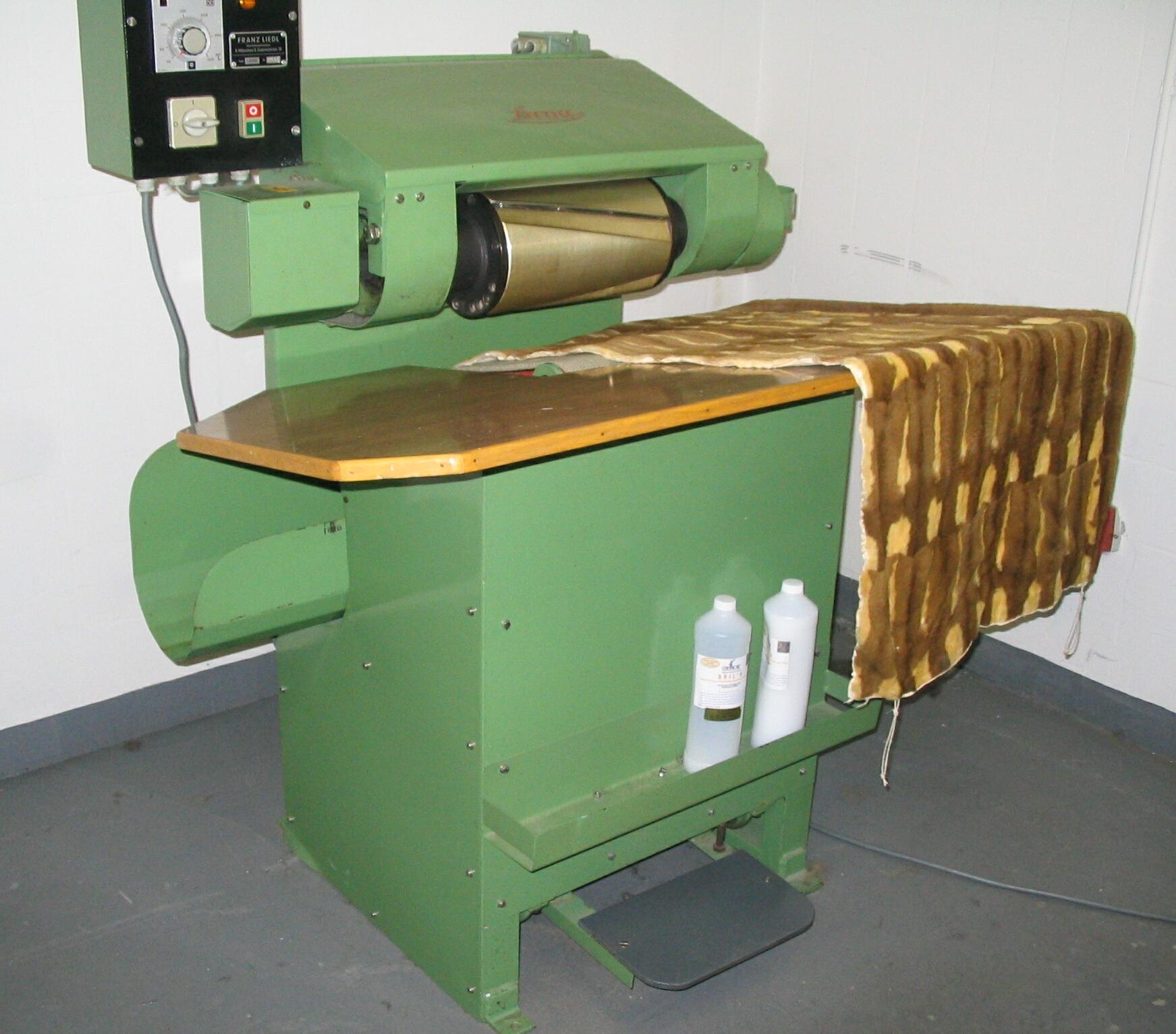 fur machine
