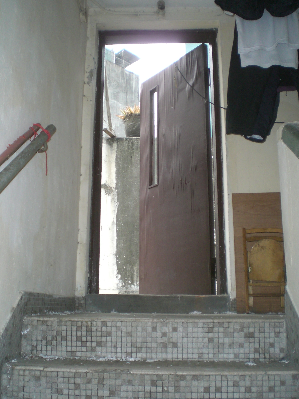 FileHK Sheung Wan Old House Stairs n Roof Wooden Door.JPG & File:HK Sheung Wan Old House Stairs n Roof Wooden Door.JPG ... pezcame.com