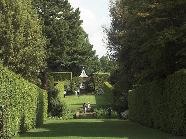 Hidcote Manor garden - geograph.org.uk - 447124