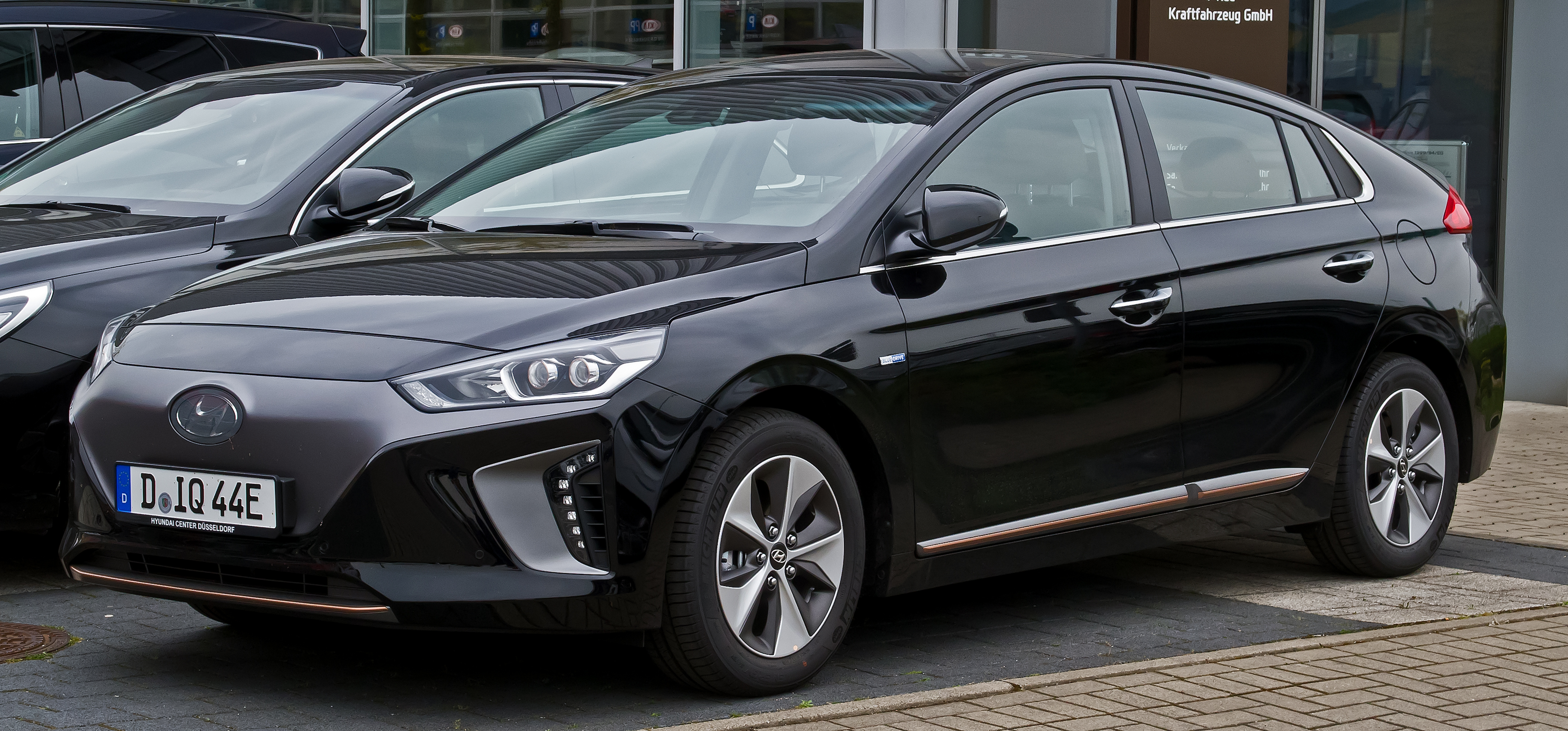 Illustration : HYUNDAI - IONIQ HYBRID EXECUTIVE DCT