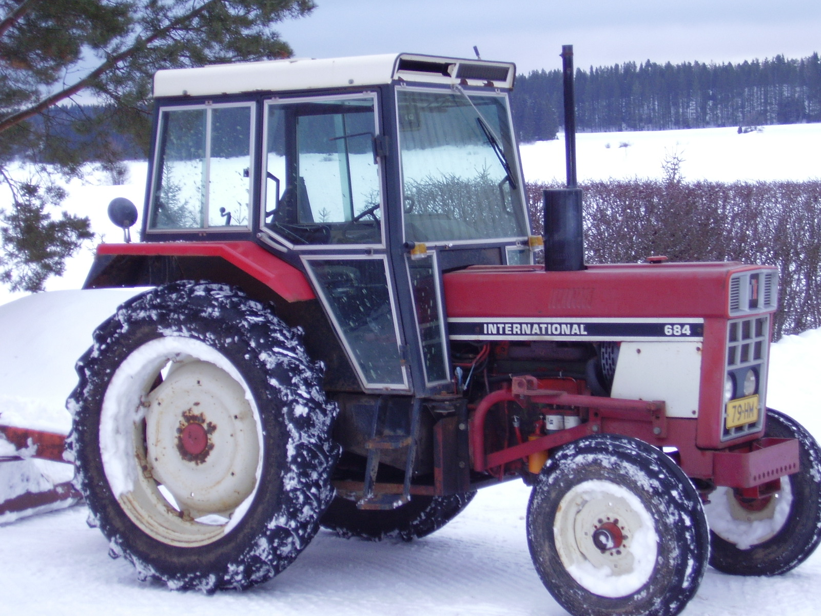 International Harvester 684 Tractor : File ih g wikimedia commons