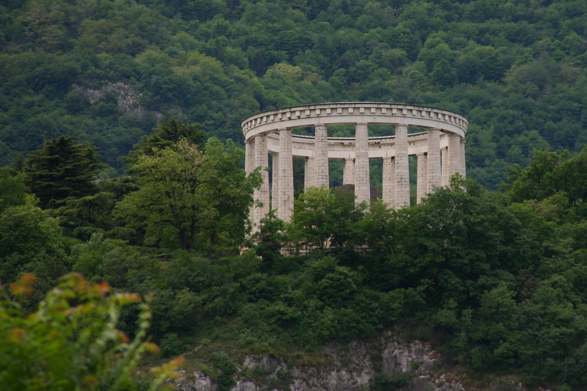 Mausoleo di Cesare Battisti sul Doss Trento