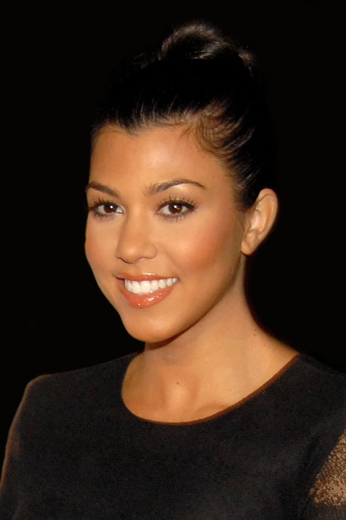 English: Kourtney Kardashian attending Maxim's...