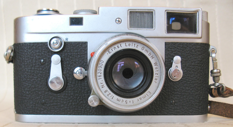 File:Leica M2 v... Leicam2