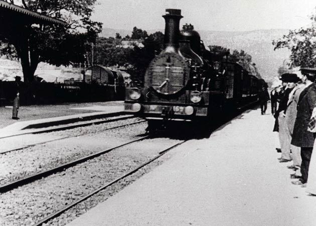 [Validé par l'AGS] Invention de la cinématographie Llegada_del_tren_a_la_estaci_n_de_La_Ciotat_C-416912632-large