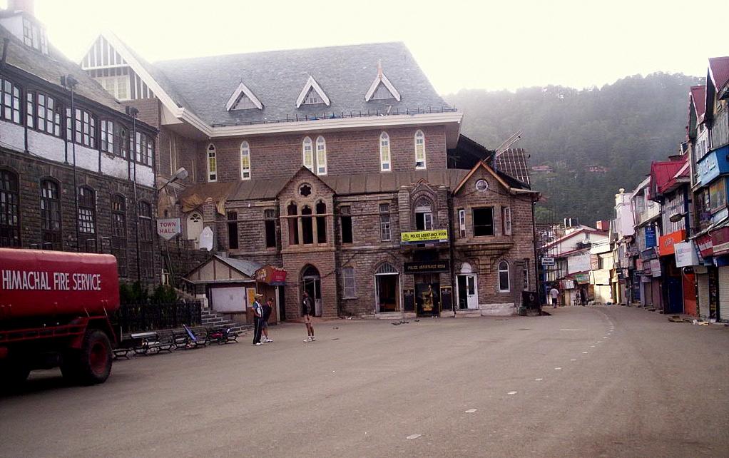 Mall Road, shopping market in Shimla