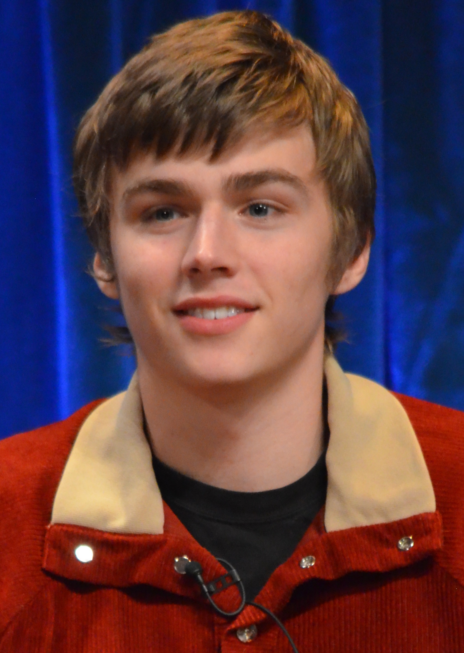 The 26-year old son of father (?) and mother(?) Miles Heizer in 2020 photo. Miles Heizer earned a million dollar salary - leaving the net worth at million in 2020