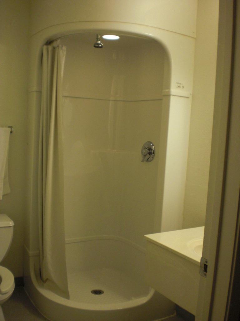 File Motel 6 Shower Jpg