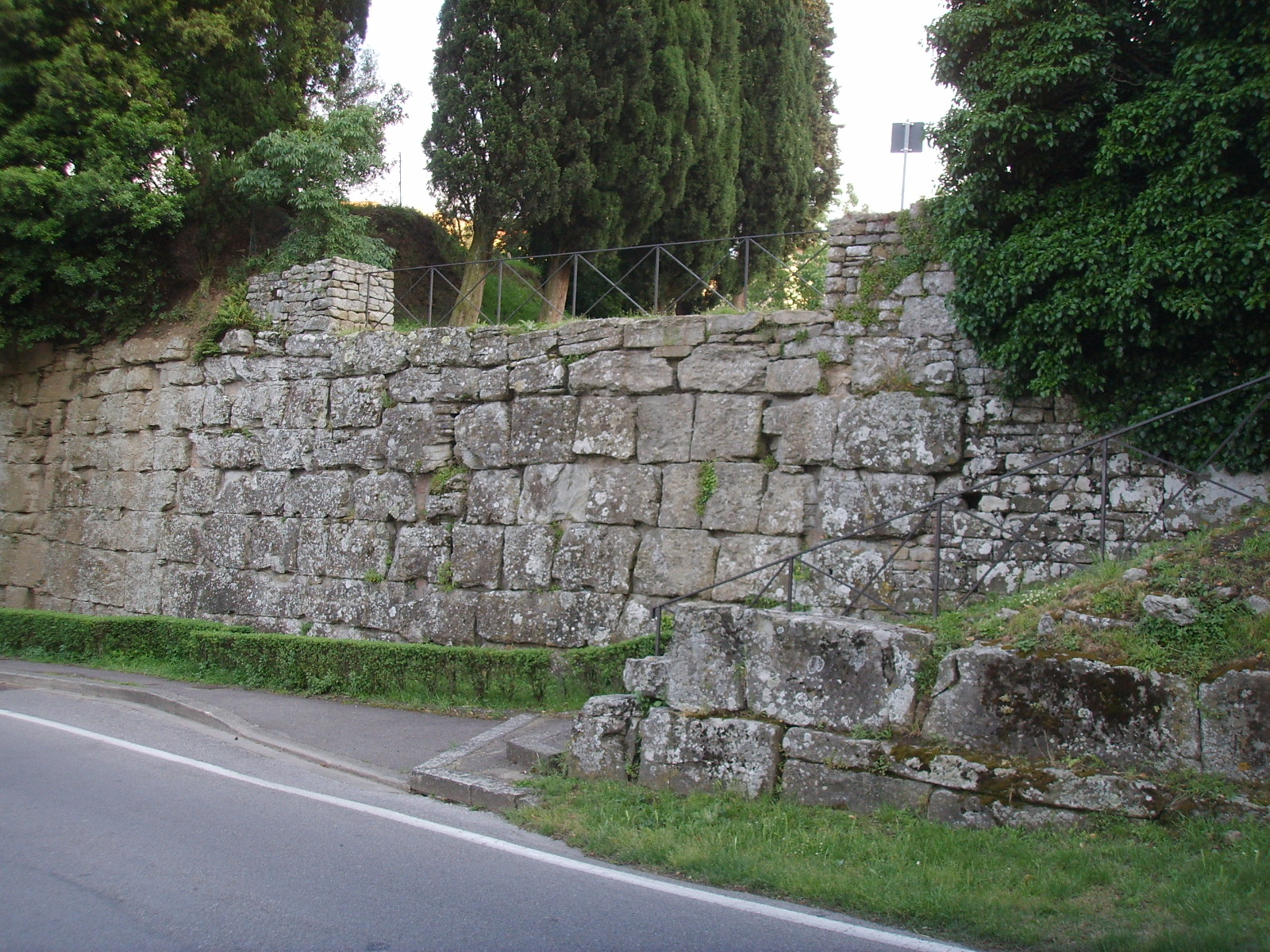 Perugia, Etruskische muur