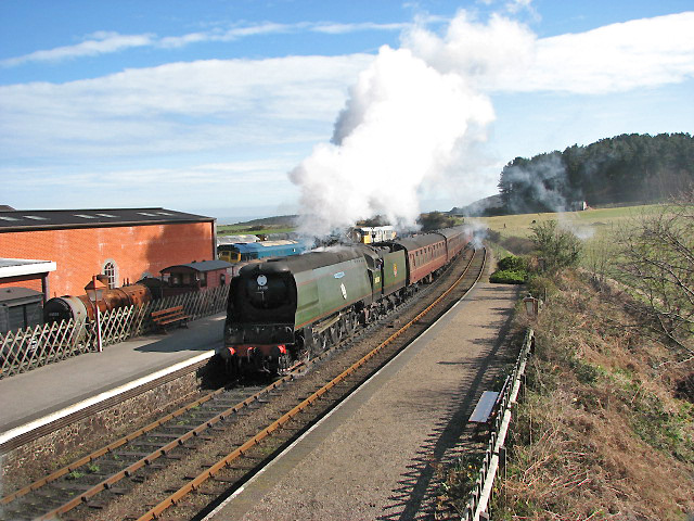 Nº34081 92 SQUADRON arriving at Weybourne Station - geograph.org.uk - 749016