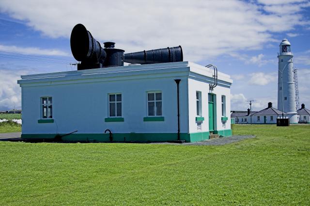 Nash Point Lighthouse - geograph.org.uk - 58926