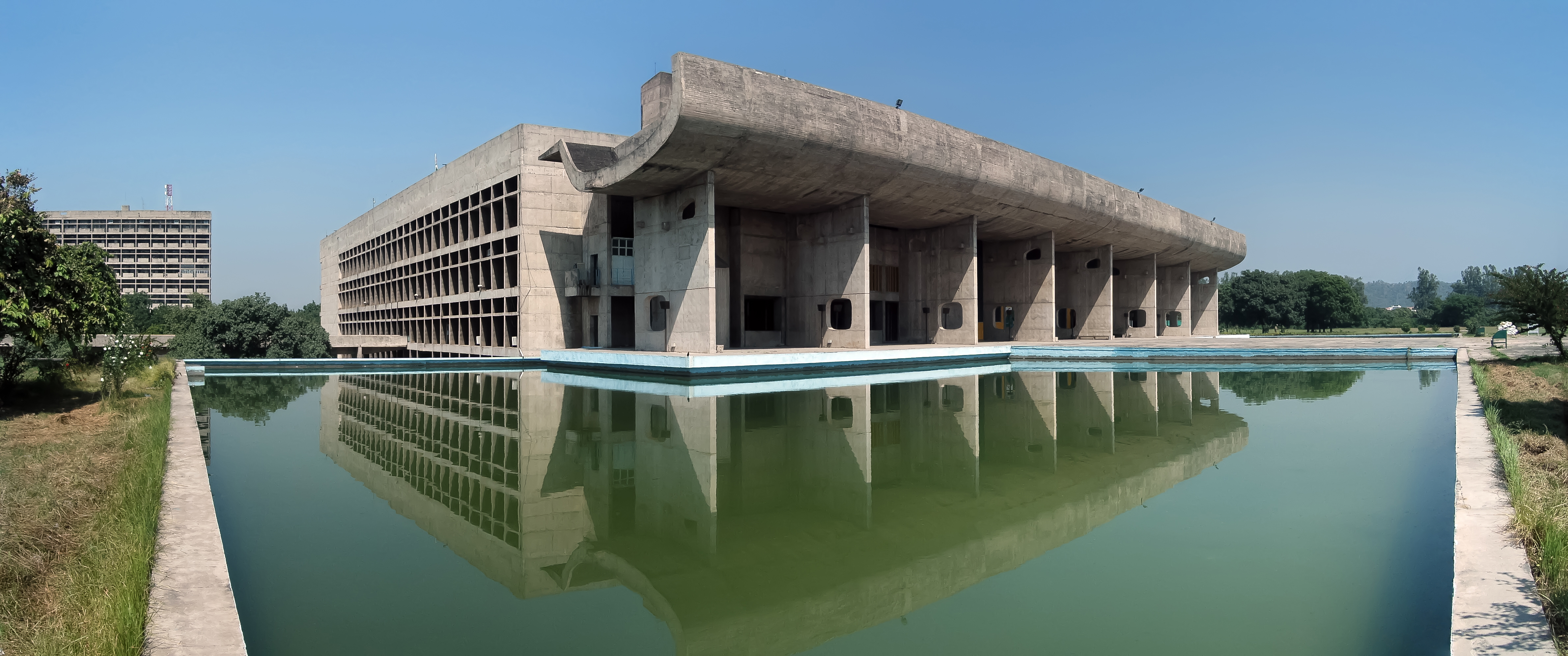 Palace of assembly chandigarh for Architecture le corbusier