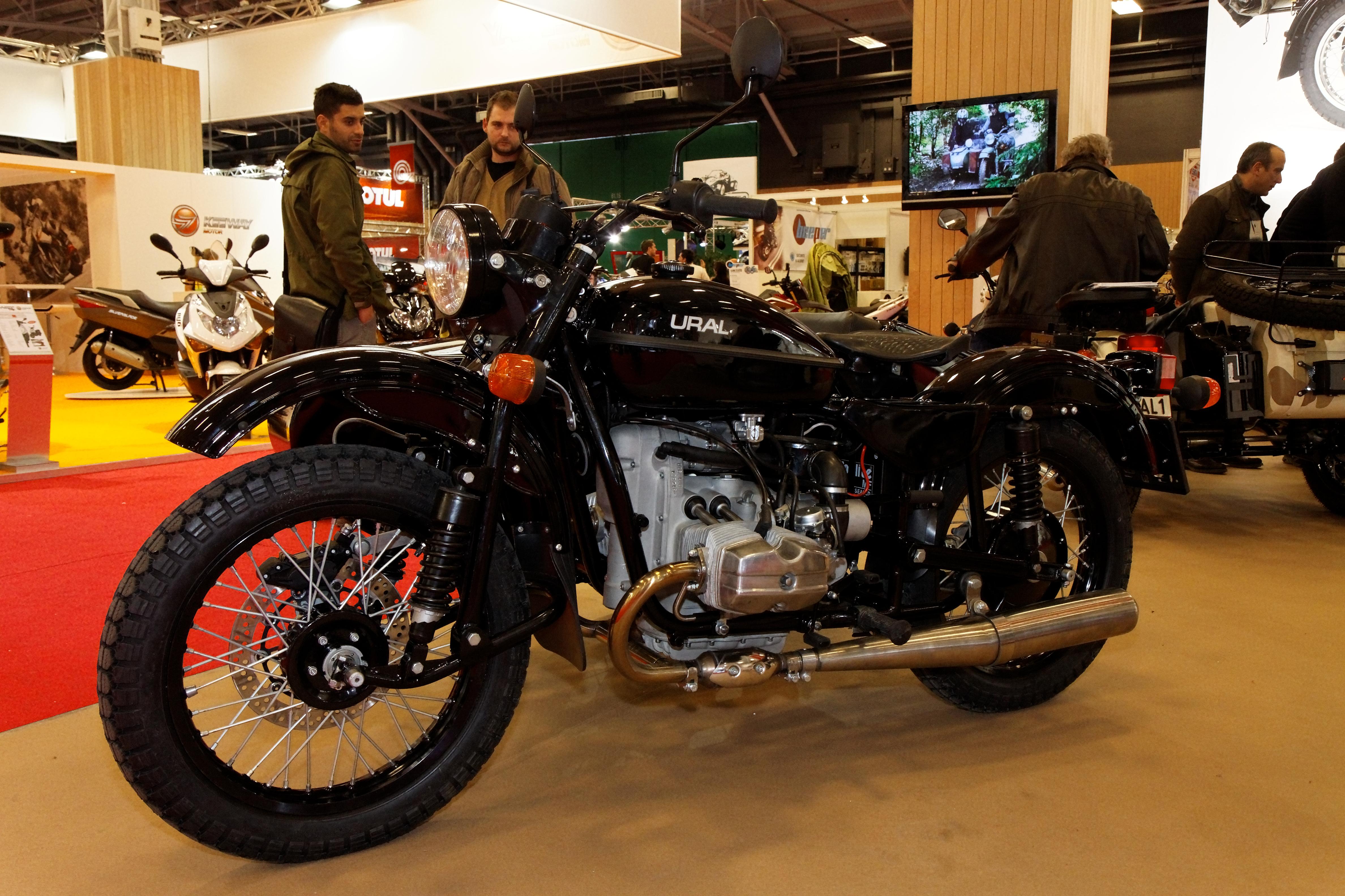 File paris salon de la moto 2011 ural for Salon ce paris