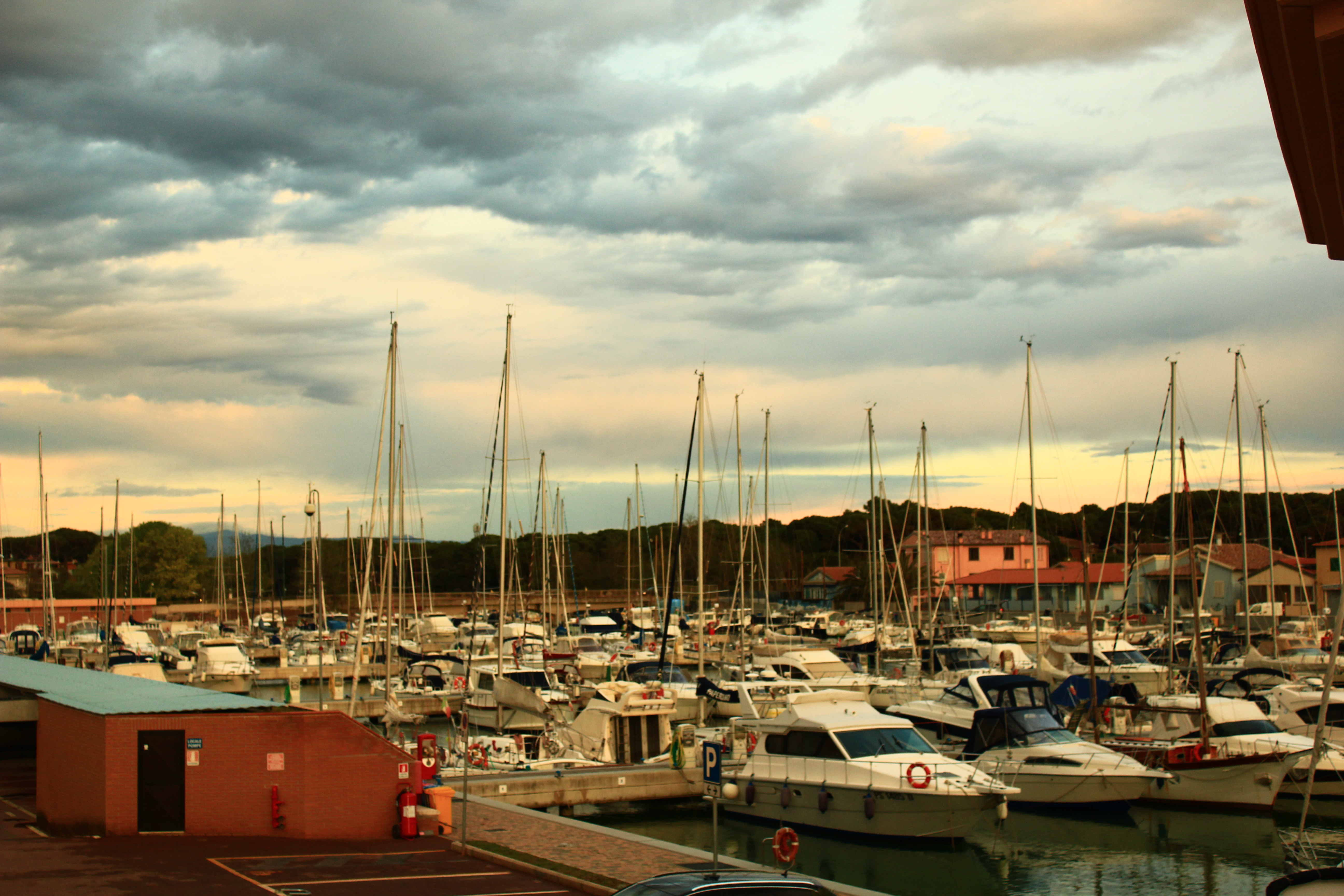 Porto di Marina di Grosseto, barche.JPG