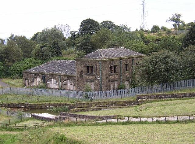 Ruined buildings at Watergrove Reservoir, Wardle. - geograph.org.uk - 40026