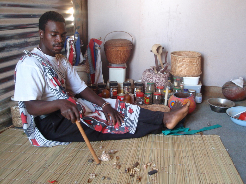 """Résultat de recherche d'images pour """"south african sangoma"""""""