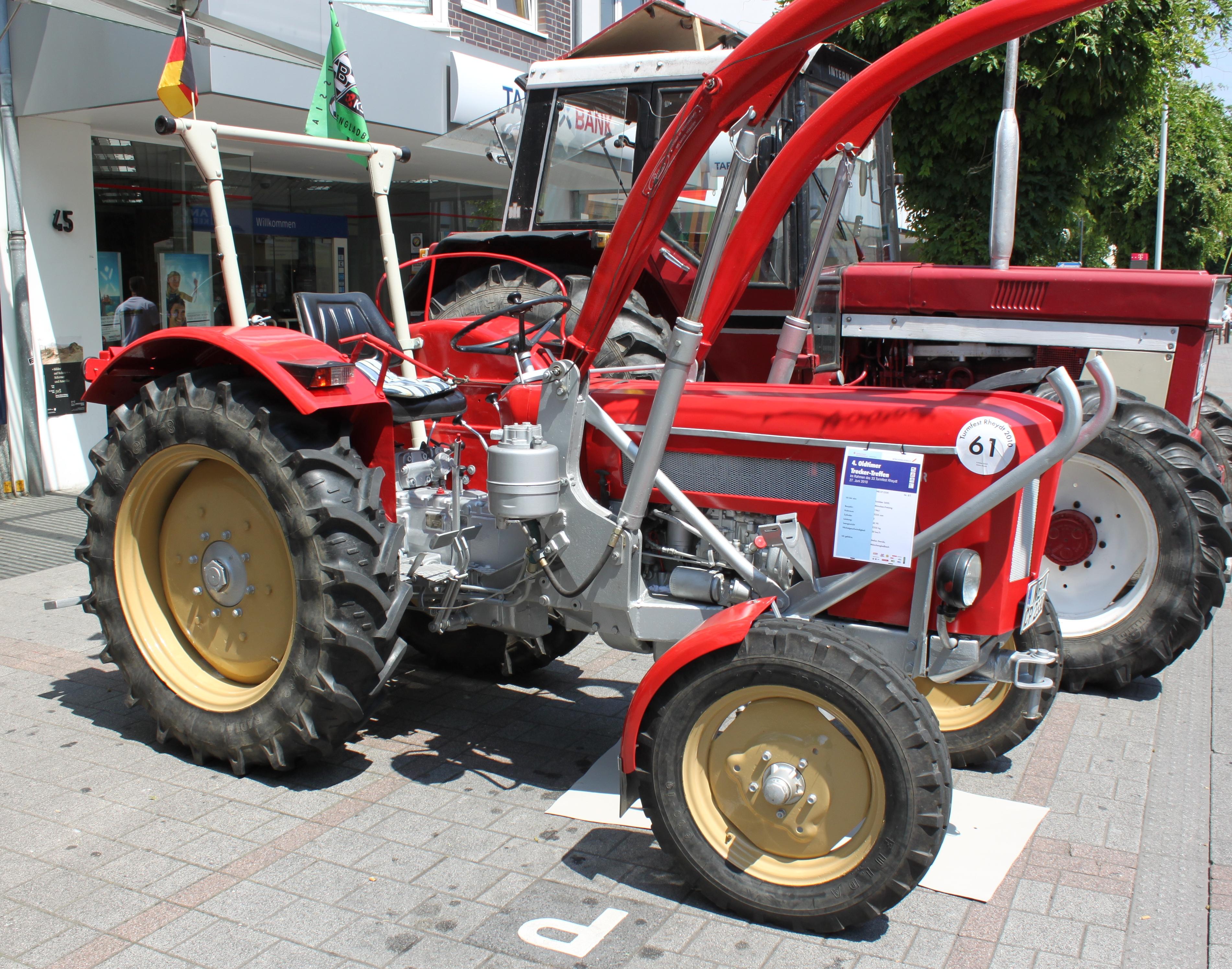 trecker kaufen gebrauchte alte traktoren trecker oldtimer. Black Bedroom Furniture Sets. Home Design Ideas