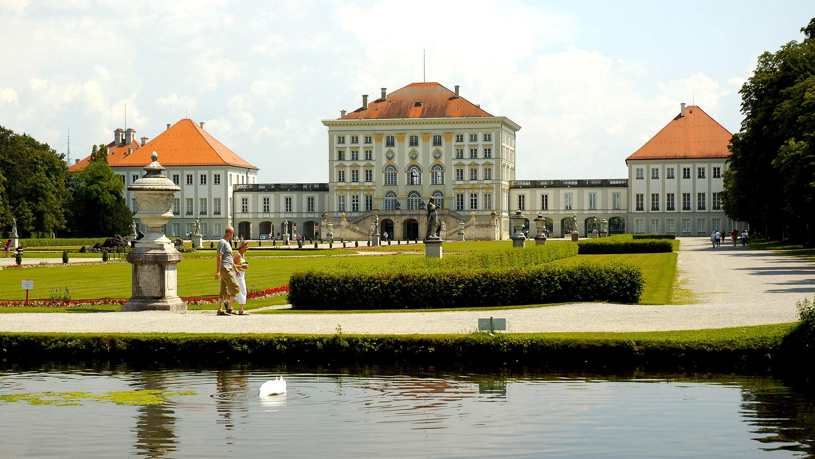 File:Schloss Nymphenburg München.jpg - Wikimedia Commons