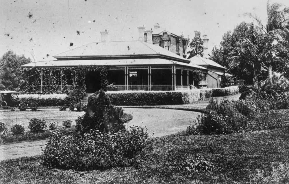 external image StateLibQld_1_150435_Ascot_House_in_Toowoomba,_designed_by_architect,_James_Marks,_ca._1876.jpg